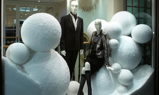 nicole_farhi_snow_supermarket